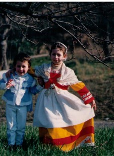 carneval sewed their outfits_1989